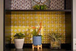 Treat Yo Shelf with Plants